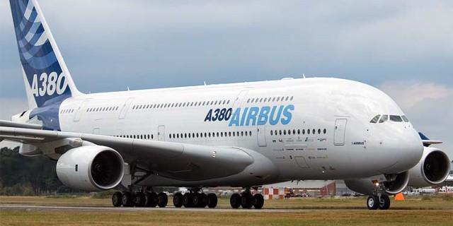 ВЭБ продает четыре А380,