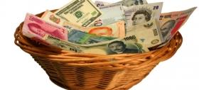 Валюты EM слабо