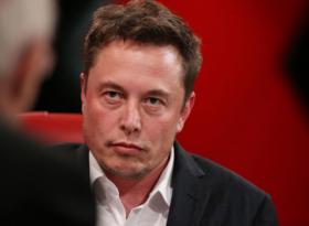 Tesla сдает позиции на