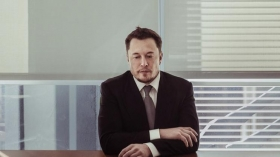 Главе Tesla дали 2