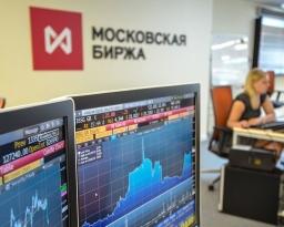 Рубль начал неделю