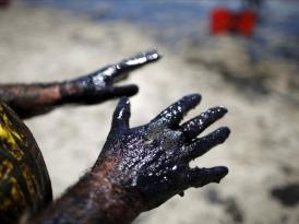 Рынок нефти закидали